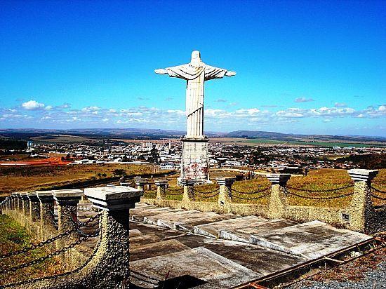 30/04 - Secretário responde reclamação de ouvinte sobre falta de manutenção no Cristo Redentor