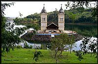 It� - Torre da Igreja Matriz na Represa de It�-SC-Foto:Darlan Corral