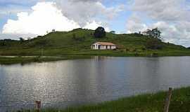 Rondolândia - Rondolândia-MT-O Lago e a Igreja-Foto:Henrique Fortes