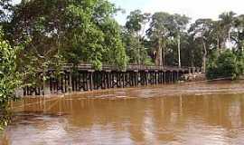 Rondolândia - Rondolândia-MT-Vista lateral da Ponte sobre o Rio Branco-Foto:Henrique Fortes