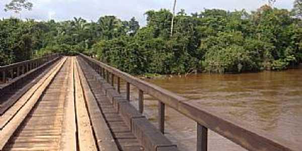 Rondolândia-MT-Ponte sobre o Rio Branco-Foto:Henrique Fortes