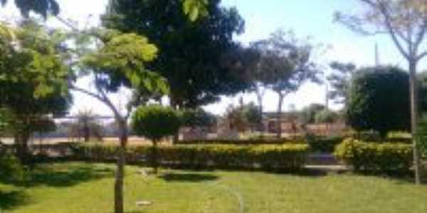 Praça, Por Adriano Nascimento