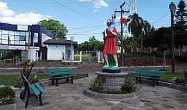 Tio Hugo - Tio Hugo-RS-Praça São Cristóvão,padroeiro da cidade-Foto:Fredy Silva