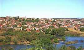 Rialma - Rialma-GO-O rio e a cidade-Foto:julierme gontijo