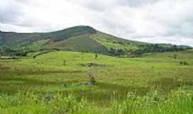 Chonin de Baixo - Chonin de Baixo-MG-Fazenda próximo à cidade-Foto:Izaides