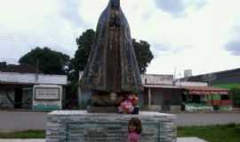 JK - monumento de nossa senhora da aparecida, na entrada do distrito, Por Karla