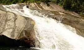 Visconde de Mauá - Cachoeira do Escorrega em Visconde de Mauá-RJ-Foto:Fernando Novaes