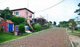 Lavras Novas - Lavras Novas-MG-Rua do centro-Foto:dentrodomochilao.com