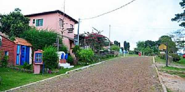 Lavras Novas-MG-Rua do centro-Foto:dentrodomochilao.com