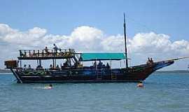 Arraial D Ajuda - Arraial D´Ajuda-BA-Barco de passeio-Foto:Monica B.F. da Silva