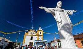 Arraial D Ajuda - Arraial D´Ajuda-BA-Cristo em frente a Igreja de N.Sra.D´Ajuda-Foto:JA Galvez