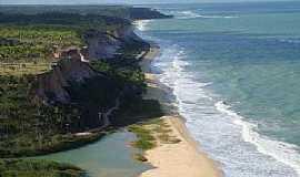 Arraial D Ajuda - Arraial D´Ajuda-BA-Paredões na praia-Foto:amadeo_menegat