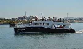 Ilha dos Frades - Travessia de Catamarã