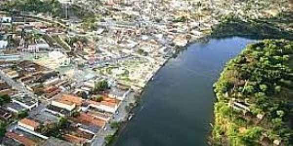 Bacia do Rio Corrente-BA-A cidade e o Rio Corrente-Foto:jornaloexpresso.wordpress.com