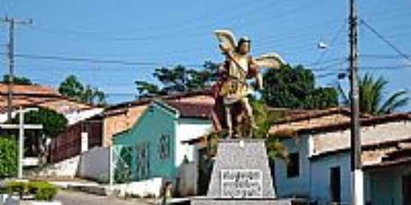 São Miguel das Matas-BA-Imagem de de São Miguel Arcanjo no Trevo de acesso-Foto:saomiguelba.