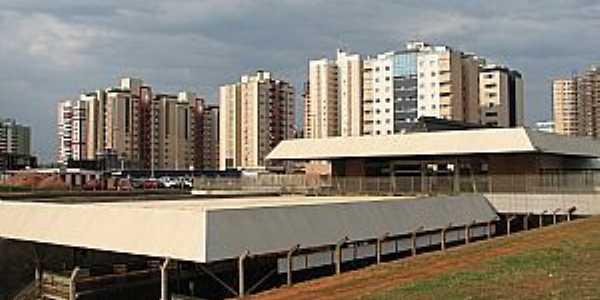 Águas Claras-DF-Estação do Metrô e prédios do centro-Foto:Ateles