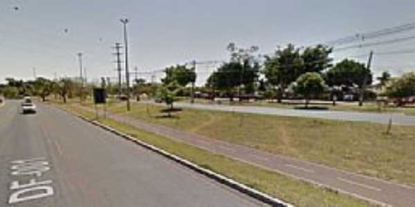 Jardim Botânico-DF-Avenida principal-Foto:centraldafonoaudiologia.com.br
