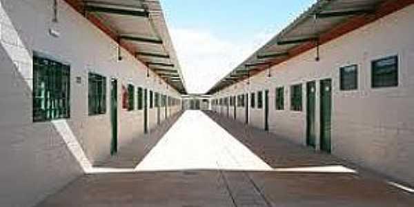 Riacho Fundo II-DF-Centro Educacional-Foto:wikimapia.org