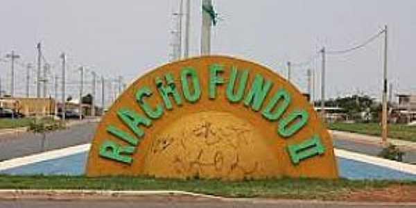 Riacho Fundo II-DF-P�rtico de entrada-Foto:rodrigodelmasso.com.br.