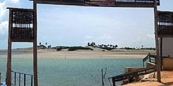 Águas BelasPraia-CE-Pórtico do Ancoradouro-Foto:www.tripadvisor.com.br