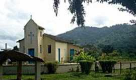 Barro Preto - Frente da Capela da Fazenda São Miguel em Barro Preto-BA-Foto:Daniel Duarte