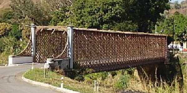 Alberto Torres-RJ-Ponte de ferro-Foto:wikimapia.org