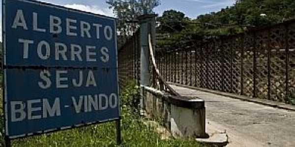 Alberto Torres-RJ-Ponte na entrada da cidade-Foto:Isabela Kassow
