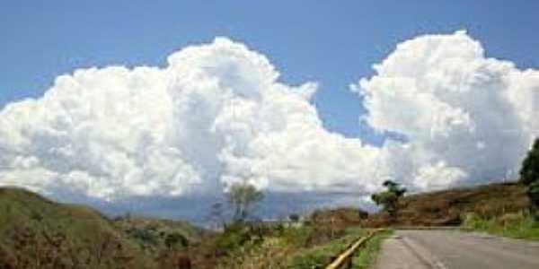 Cabeceira da Jibóia-BA-Chegando na cidade-Foto:aroundguides.com