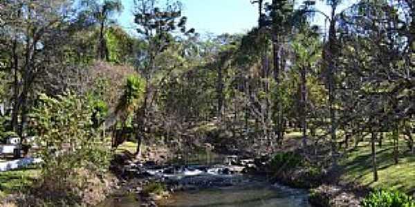 Pocinhos do Rio Verde-MG-Balneário de Pocinhos-Foto:Roberto Pacheco de Souza