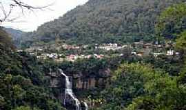 Galópolis - Cachoeira e ao fundo a cidade de Galópolis-RS-Foto:Edilson V Benvenutti