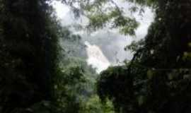 Galópolis - Cachoeira Véu da Noiva, Por Paola Rocha