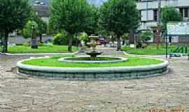 Galópolis - Praça central de Galópolis-RS-Foto:alepolvorines