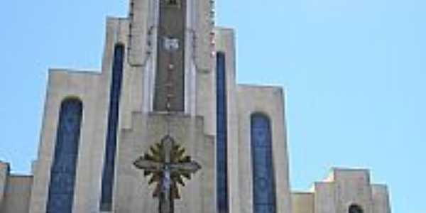 Igreja Matriz de Galópolis-RS-Foto:Ro Marques
