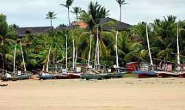 Praia de Flexeiras - Praia de Flexeiras-CE-Jangadas na praia-Foto:heraldomedeiros