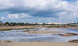 Praia de Flexeiras - Praia de Flexeiras-CE-Torres de Energia Eólica na praia-Foto:ARAGÃO