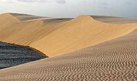 Atins - Atins-MA-Dunas e lagoas na praia-Fotowww.viajenaviagem.com