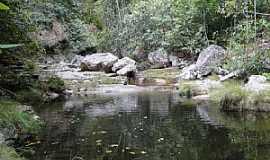 São Jorge - São Jorge-GO-Rio do Segredo próximo à cachoeira-Foto:João Carlos Machado