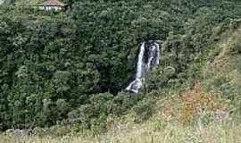 Vale do Matutu - Cachoeira dos Garcias em Vale do Matutu-Foto:flickr.