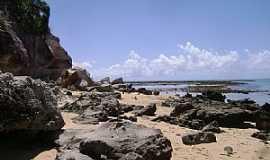 Praia do Espelho - Praia do Espelho-BA-Rochas na praia-Foto:Giuliano Novais