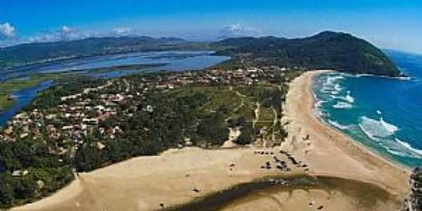 Praia da Ferrugem em Garopaba - SC