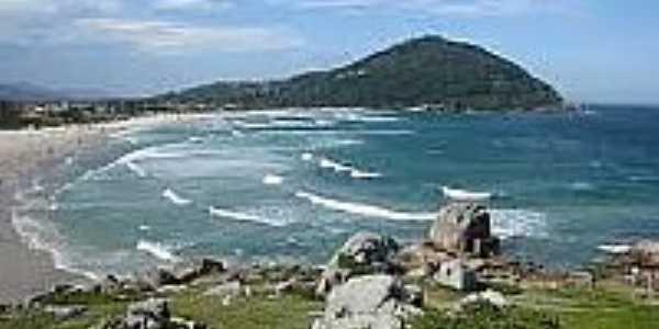Praia da Ferrugem-Foto:pt.wikipedia.