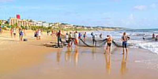 Pesca de arrastão na Praia de Ponta Negra-RN-Foto:canioeddi