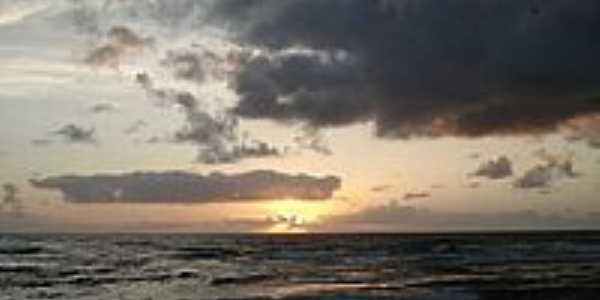 Nascer do Sol na Praia da Bombaça-Foto:negrotidy