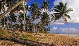 Praia de Cassange - Jangada rústica na Praia do Cassange-Foto:alexuchoa.