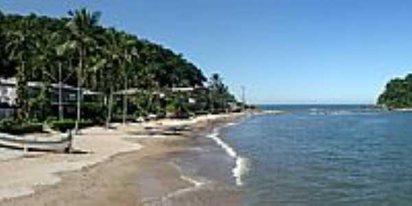 Caiobá-PR-A praia e a Ilha do Farol-Foto:Sergio F. Bida