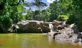 Santo Antônio do Salto - Santo Antônio do Salto-MG-Cachoeira da Caçamba-Foto:ecoviagem.uol.com.br