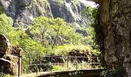 Santo Antônio do Salto - Santo Antônio do Salto-MG-Passarela no Canyon-Foto:Rafaeldias