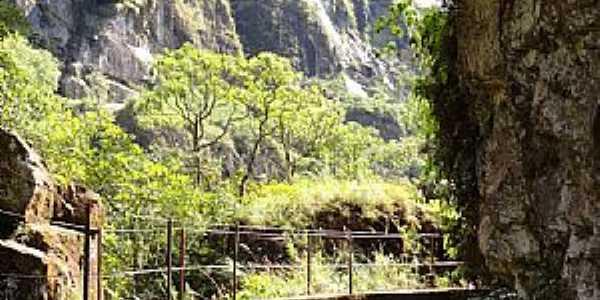 Santo Antônio do Salto-MG-Passarela no Canyon-Foto:Rafaeldias