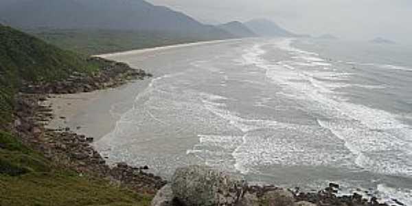 Ilha do Cardoso pertence ao município de Cananéia - SP