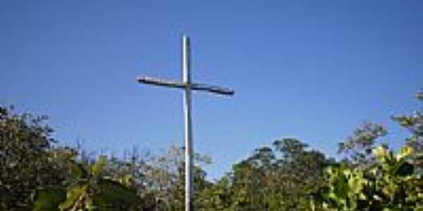 Cruz no alto da Serra de Missão de Aricobé-BA-Foto:vagno vilas boas